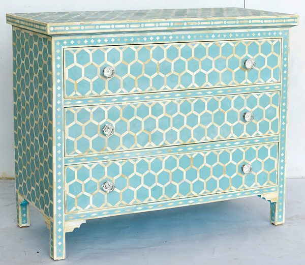 Honeycomb Design Bone Inlaid Chest in turquoise Color